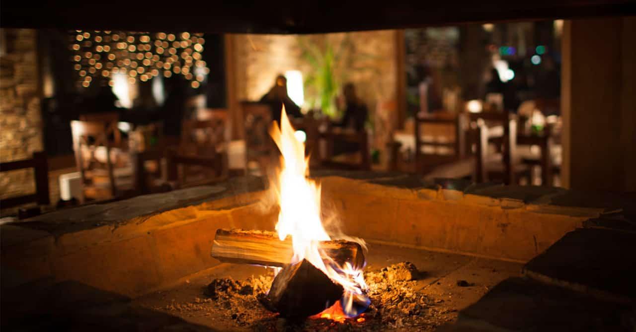 Çam Hotel'de Şömine Ateşi Eşliğinde Akşam Yemeğine Ne Dersiniz?