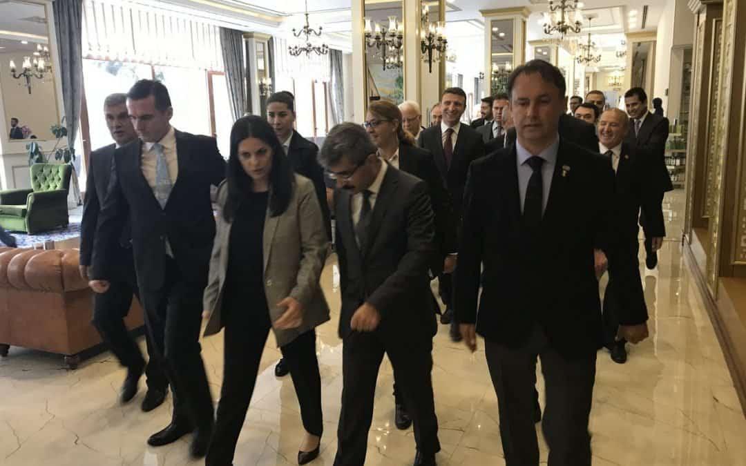 Julide Sarıeroğlu'nun Çam Otel ziyareti