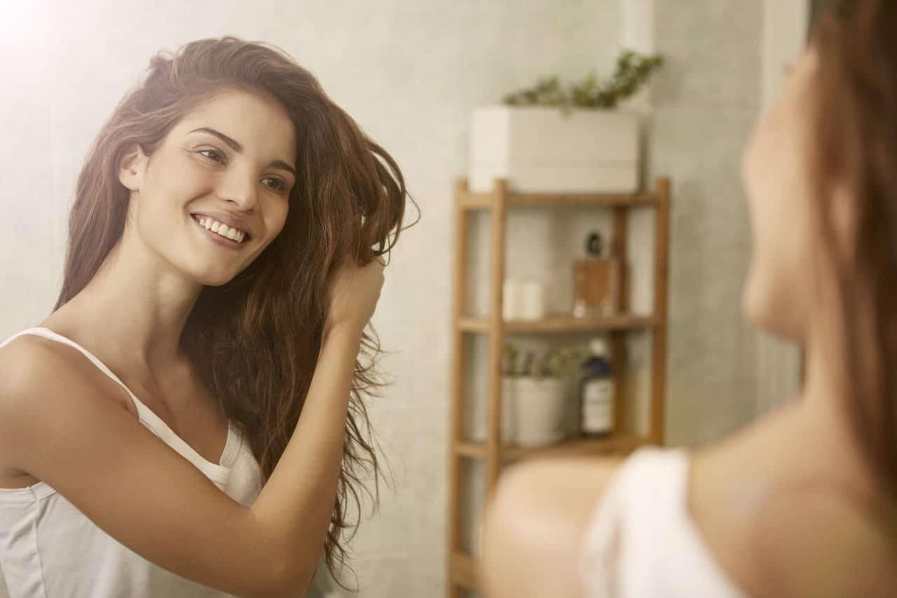 Yıpranan Saçlar İçin Evde Saç Bakımı Nasıl Yapılır?