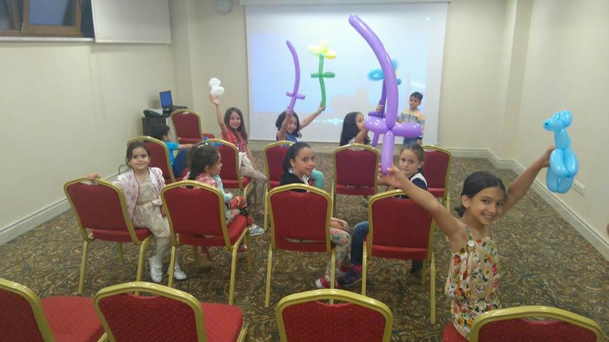 çocuklu tatil, çam otel'de çocuklar için eğlenceli bir etkinlik
