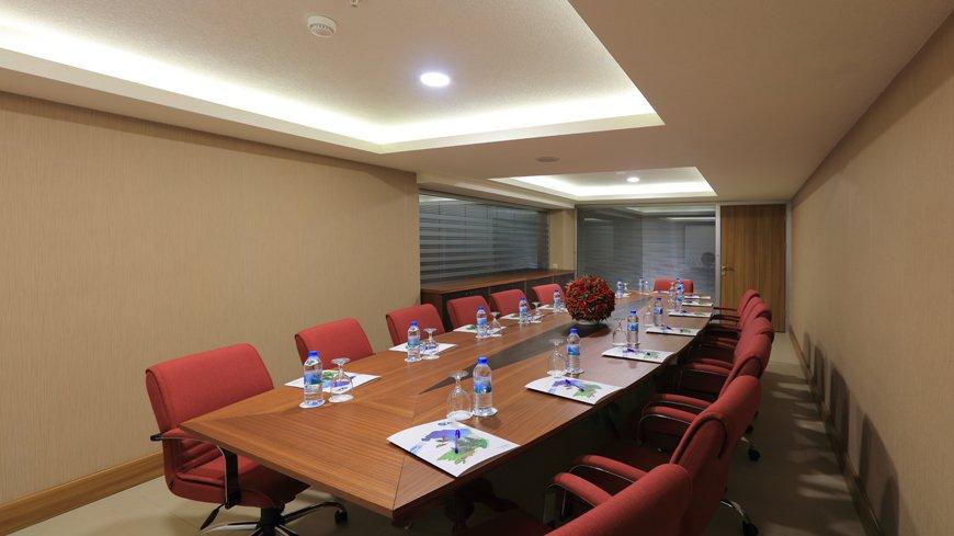 Çam Hotel - Defne Toplantı Salonu