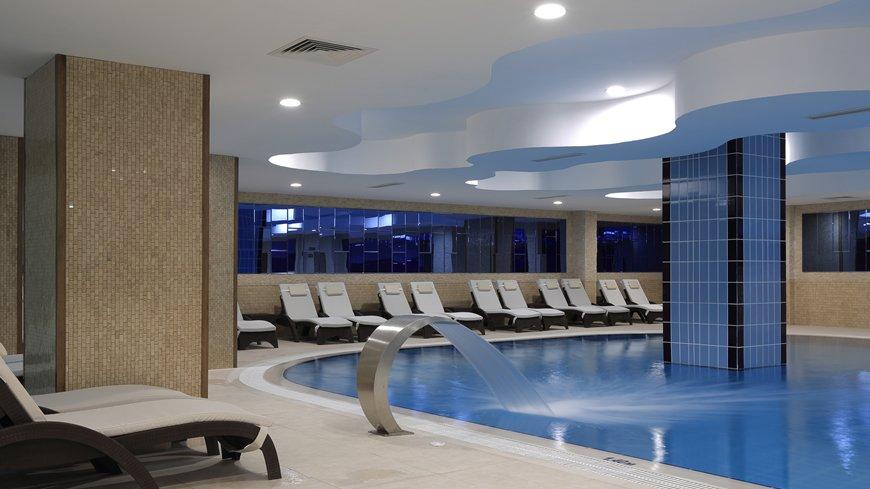 cam-hotel-havuz-2