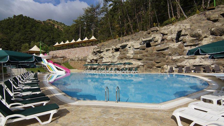 cam-hotel-havuz-4