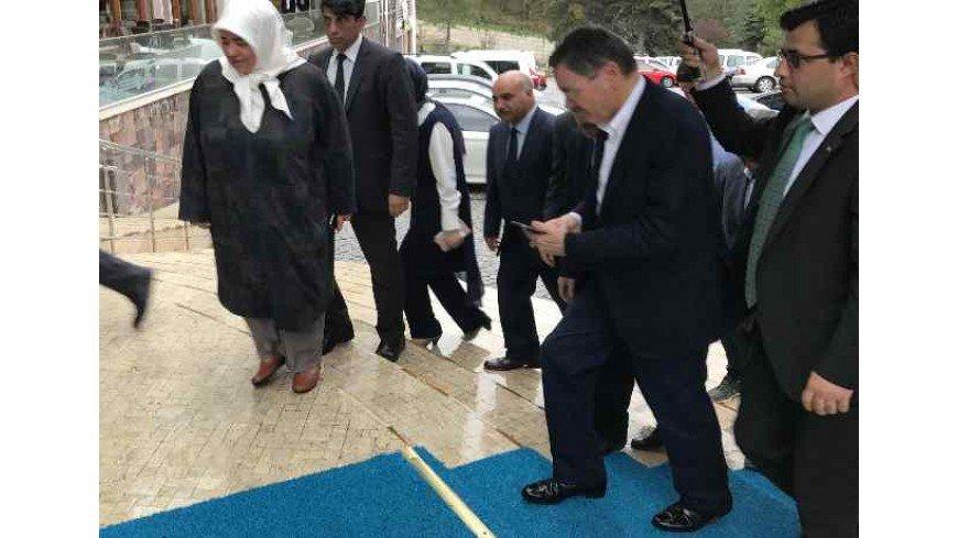 Ankara Büyükşehir Belediye Başkanı Sayın Melih Gökçek Çam Hotel'de