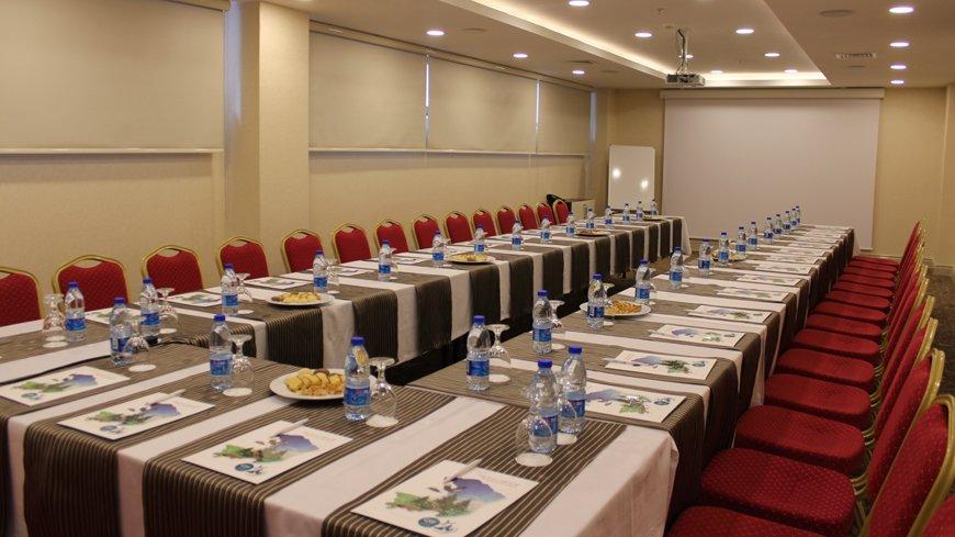 Çam Hotel - Sedir Toplantı Salonu