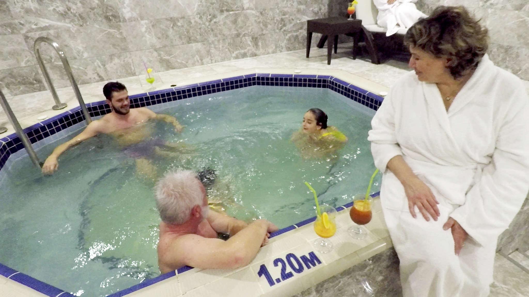 çocuklu tatil, çam hotel'de aile için özel termal havuz