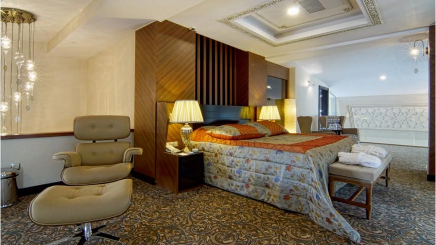 Çam Otel King Suit Oda