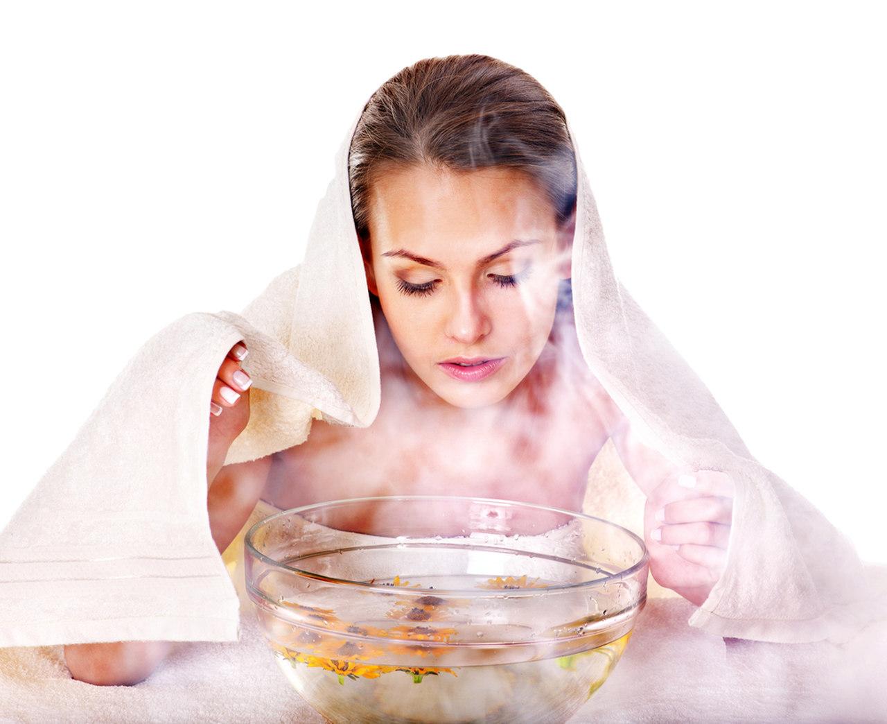evde buhar banyosu yapan kadın, buhar banyosu faydaları