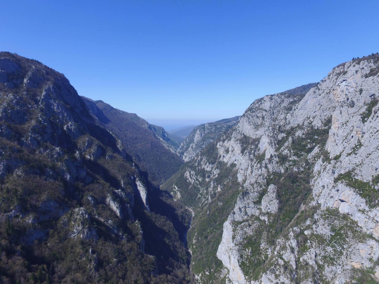 şehriban kanyonu'nun havadan çekilmiş doğa manzaraları