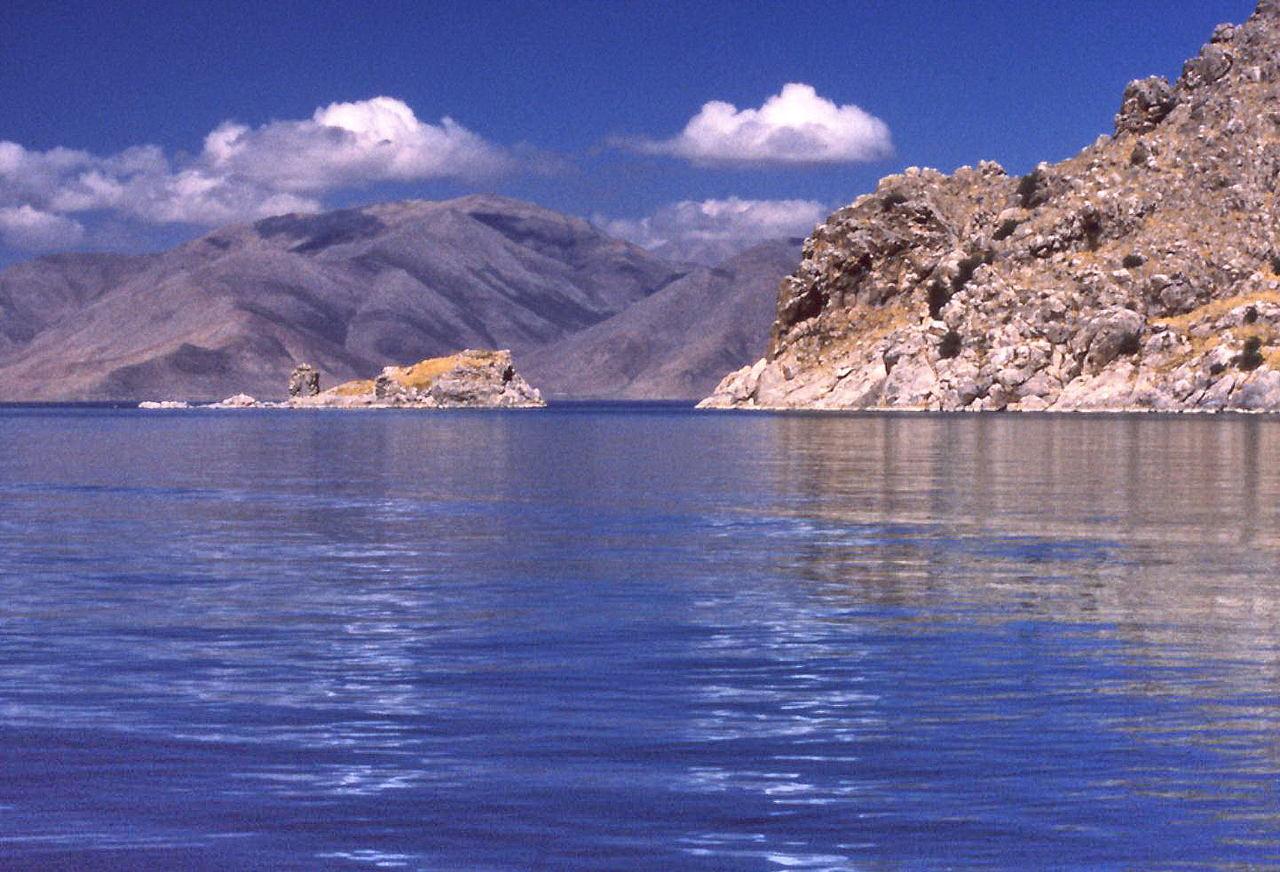 ülkemizin en çok bilinen göllerinden van gölü'nün doğa manzaraları