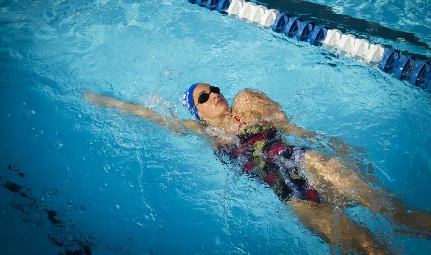 sırtüstü yüzme teknikleri stilleri