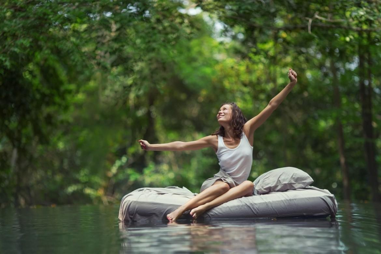 orman nedir, orman banyosu, ormanda kadın