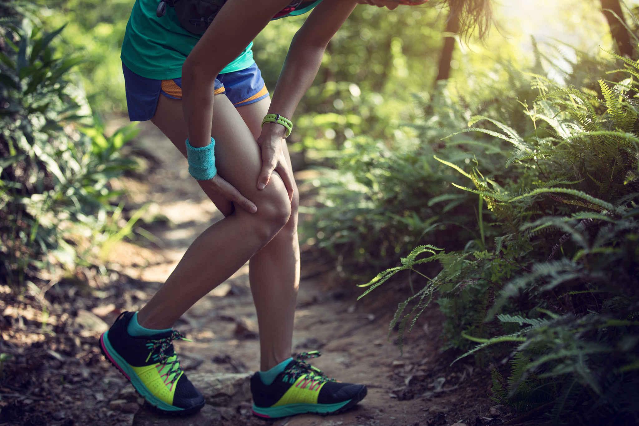 eklem ağrıları yüzünden yorulmuş sporcu, eklem ağrılarına ne iyi gelir