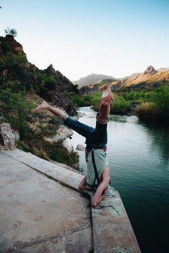 yoga headstand pozu, yoga nedir nasıl yapılır
